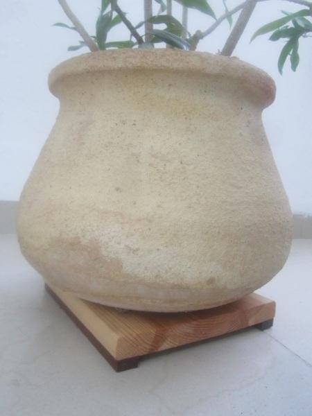 עץ אורן ומהגוני בשמן טיק